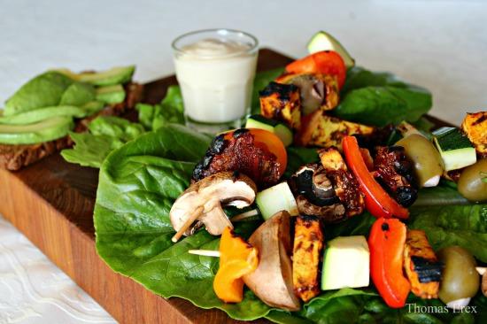 Veganske grillspyd med italiensk-marineret tofu