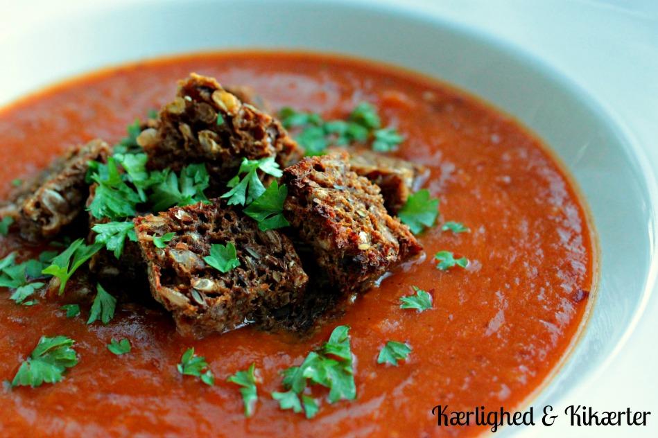 vegansk græskarsuppe, tomatsuppe, bønner, protein