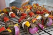 Lækre grillspyd med vegansk kebab.