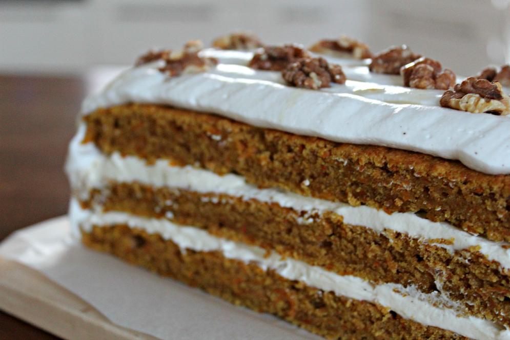 Gulerodslagkage Med Vaniljefyld Og Flødeskum Kærlighed Kikærter